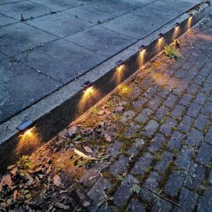 Zewnętrzne oświetlenie solarne LED (4 sztuki) photo review